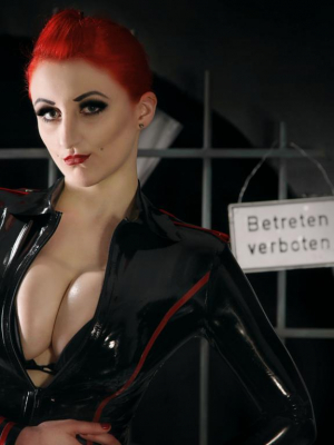 Domina Miss Decadoria